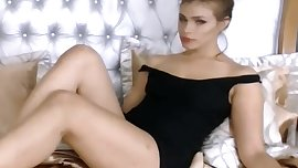 Smoking Babe live on spicygirlcam.com