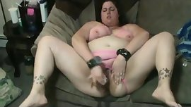 Slut Fat BBW fuckfriend masturbating her dripping pussy