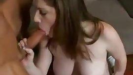 Girl with perfekt boobsmakes a Blowjob & gets fucked